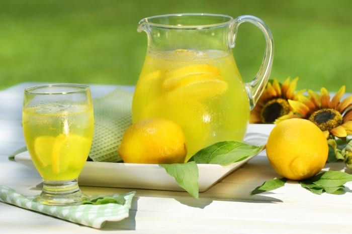 Why You Should Drink Lemon Water In The Morning