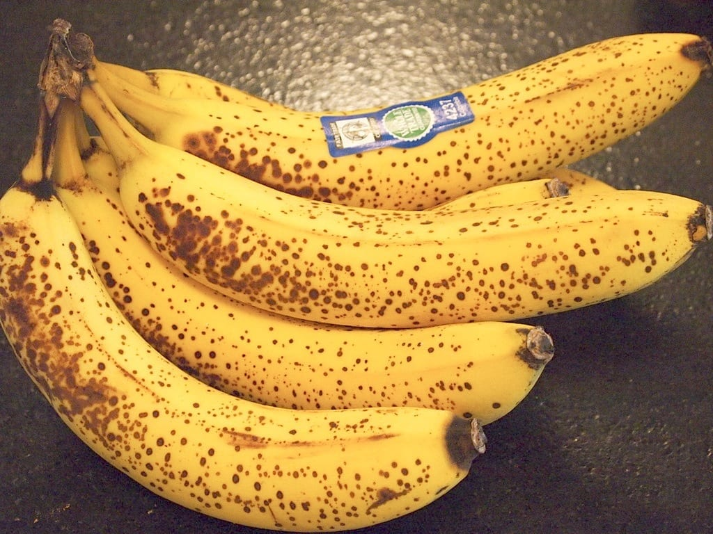 This Is What Happens If You Eat Ripe Bananas