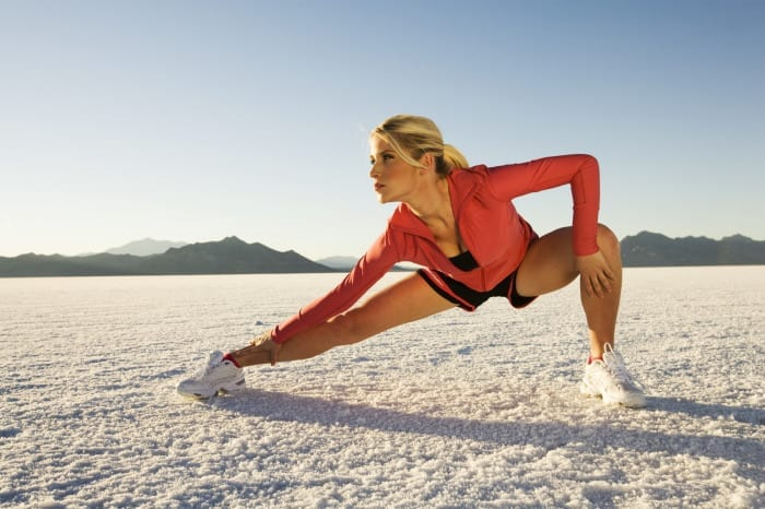 Wrong! Stretching Is NOT the Best Thing to Do before a Workout, Then What to Do Instead?