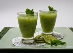 Delicious Green Smoothie For Cleansing The Body of Toxins