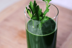 Protect Your Kidneys With Parsley Juice