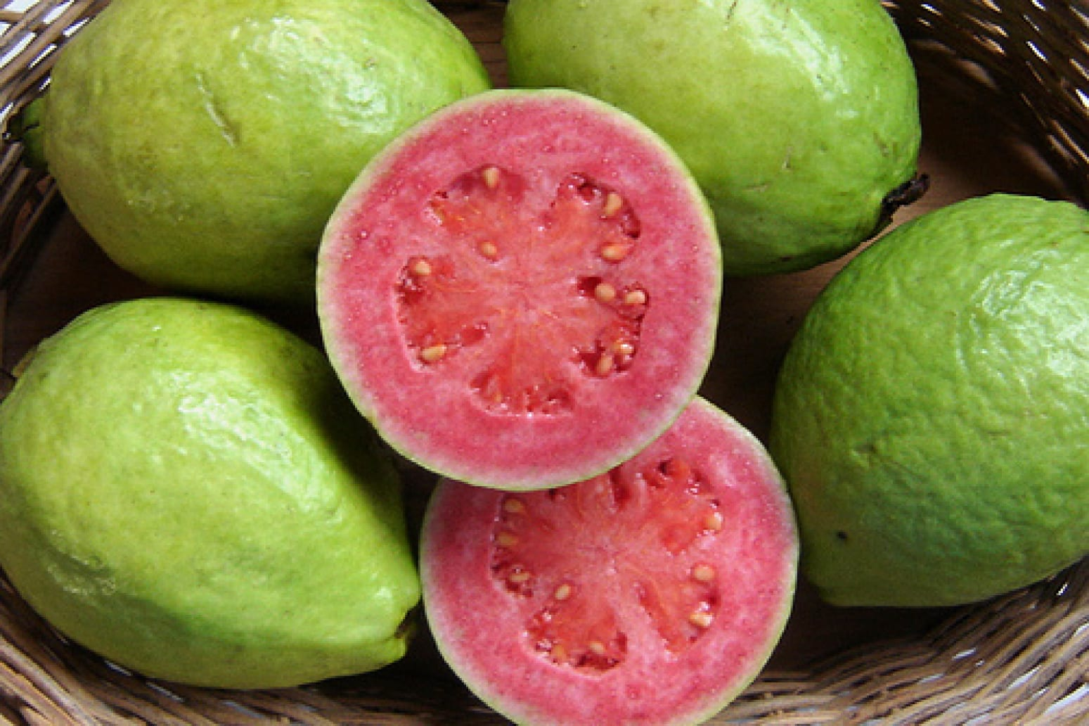guava fruit is fruit cocktail healthy