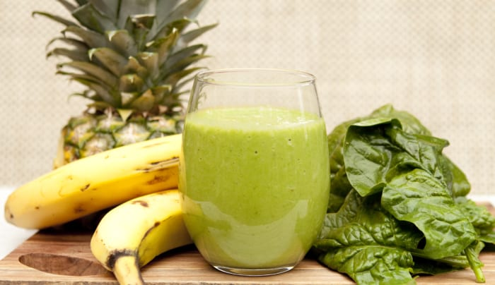 Delicious Spring Cleanse and Full Detox Smoothie