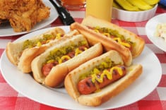 Doctors Are Urging You To Stop Feeding Your Children Hot Dogs – Here's Why!