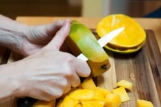Throwing Out Mango Peels Means You're Missing Out On The FULL Cancer-Fighting Potential!