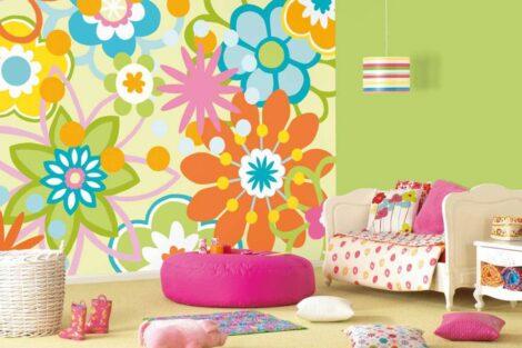 Wallpaper in the children's room