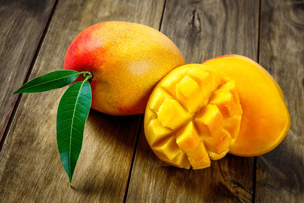 Healthy mango fruit