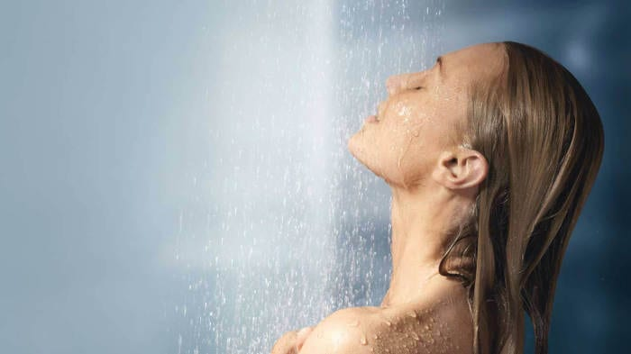 The 30-Second Shower Trick that Puts Your Body in Fat Burning Mode and Helps Relieve Depression