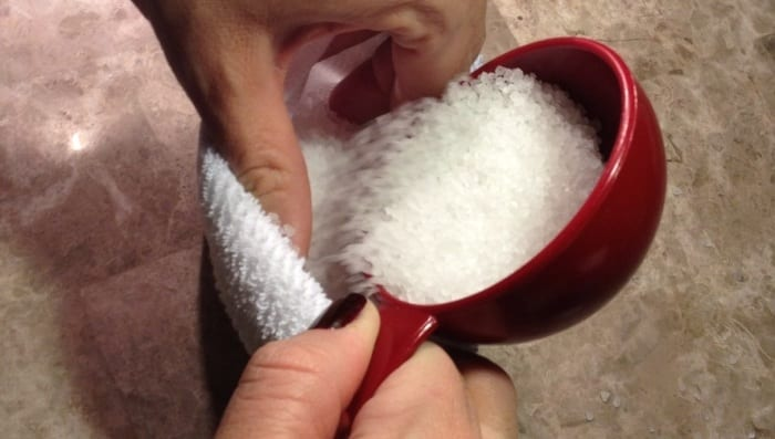 Pour Epsom Salt Into a Sock to Easily Treat Any Ear Infection