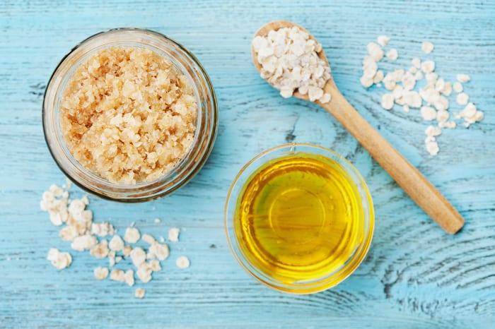How to Make Homemade Sugar Scrub