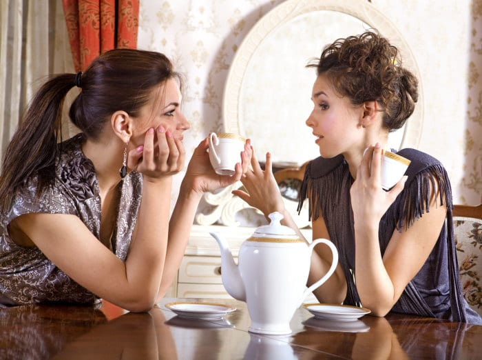 3 Hormone-Balancing Beverages Women Need to Drink Every Day