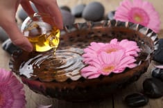 What Is Frankincense Good For? 8 Essential Oil Uses