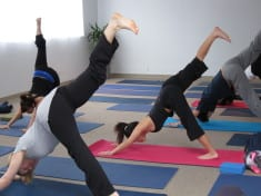 5 Easy Tips To Perform Yoga Without Any Instructor