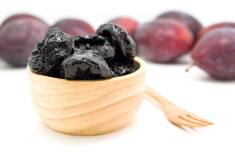 How to significantly reduce your risk of colon cancer by eating prunes