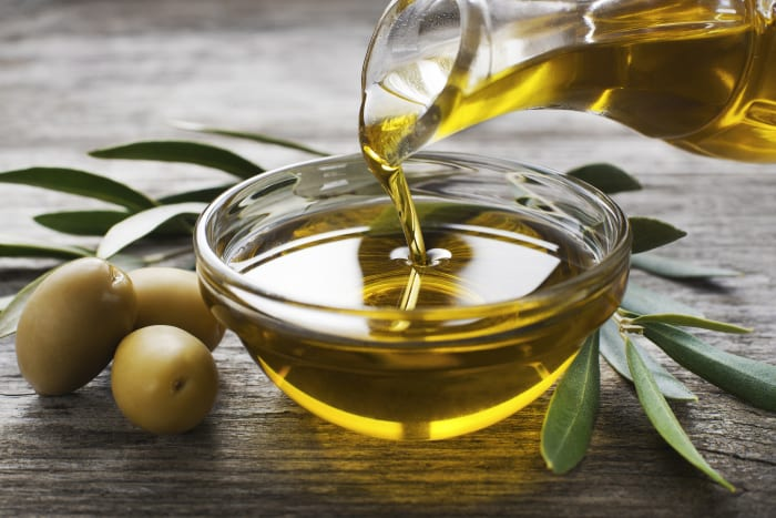 Olive Oil Keeps the Heart Young
