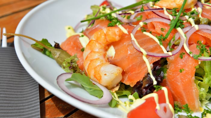 This Salmon and Asparagus Salad Delivers Vitamin D and Iron