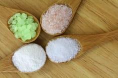 18 Simple Epsom Salt Health & Beauty Hacks