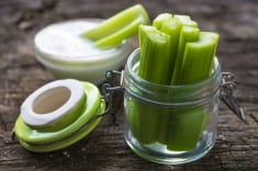 HOW DOES CELERY TEA HELP YOU LOSE WEIGHT? SEE THE RECIPE!