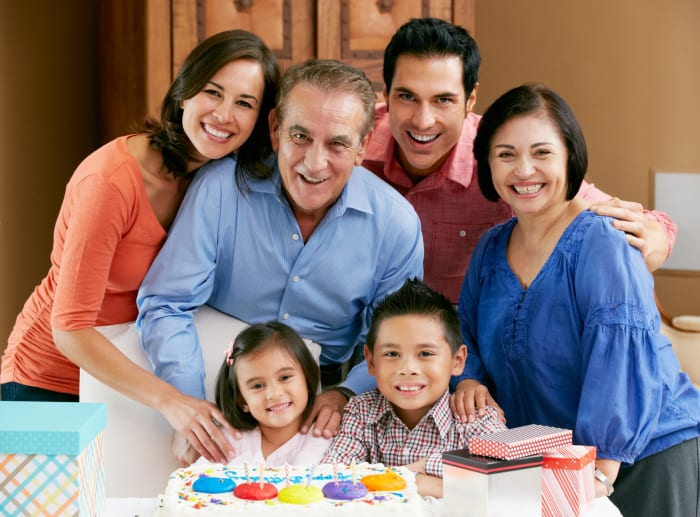 Close Family Ties May Be Key to Long, Healthy Life