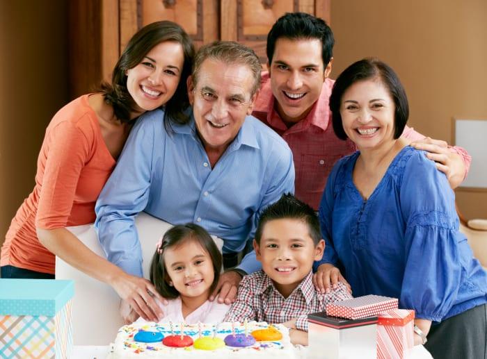 Close Family Ties May Be Key to Long, Healthy Life
