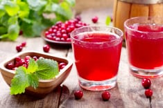 Cranberry juice treats urinary tract infection & aids weight loss