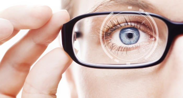 Weak vision – Causes, symptoms and other risk factors