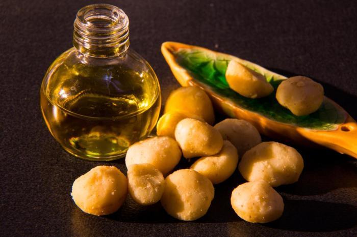 Macadamia nut oil for heart, skin and hair health