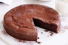 Keto Gooey Chocolate Cake with Cocoa Powder